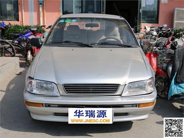 一汽夏利2004款 N3 1.0L 三厢