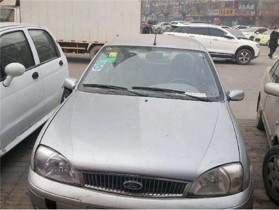 福特                                         嘉年华三厢                                         2004款 1.6自动舒适
