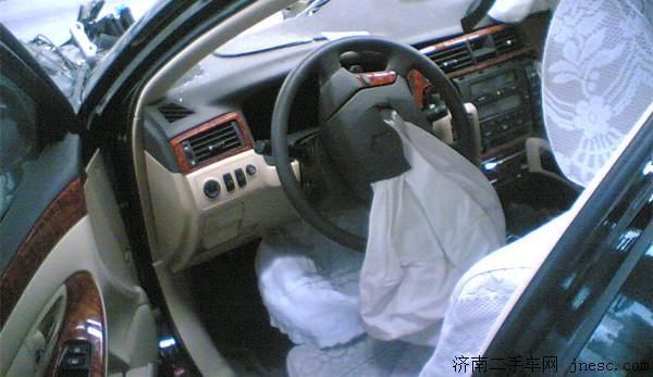 专业设备检测安全气囊