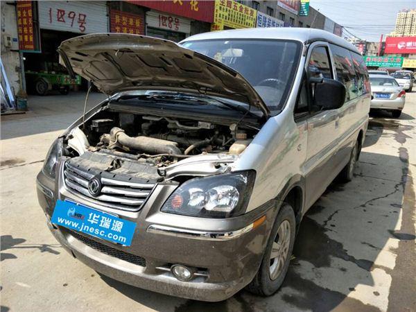 东风风行菱智2013款 M5 Q7 2.0L 9座长轴舒适型