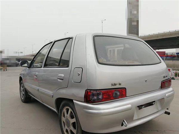 一汽夏利2011款 A+ 1.0L 两厢