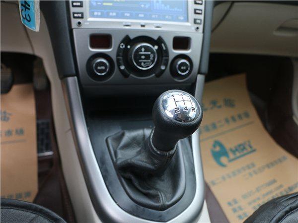 标致408 2011款 2.0L 手动豪华版