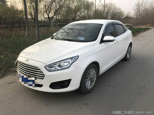 福特-福睿斯-2015款 1.5L 手动时尚型