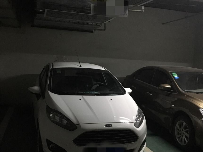 福特嘉年华三厢2013款 三厢 1.5L 手动时尚型