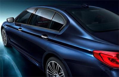 全新宝马5系长轴版官图发布 延续海外造型